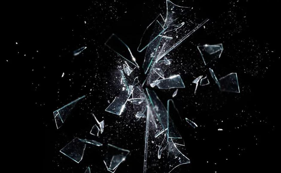 Drømmetydning knust glass