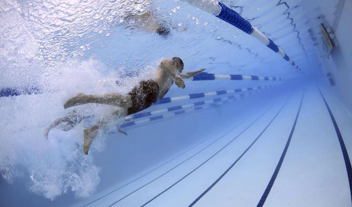 Drømmetydning svømme