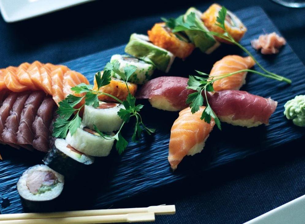 Er sushi sunt